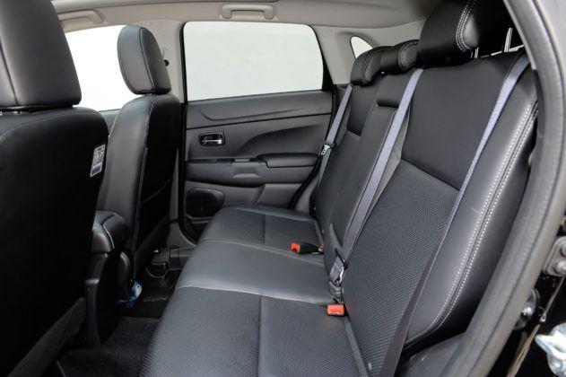 Mitsubishi ASX - tylna kanapa
