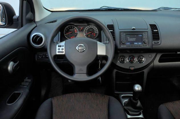 Nissan Note - deska rozdzielcza