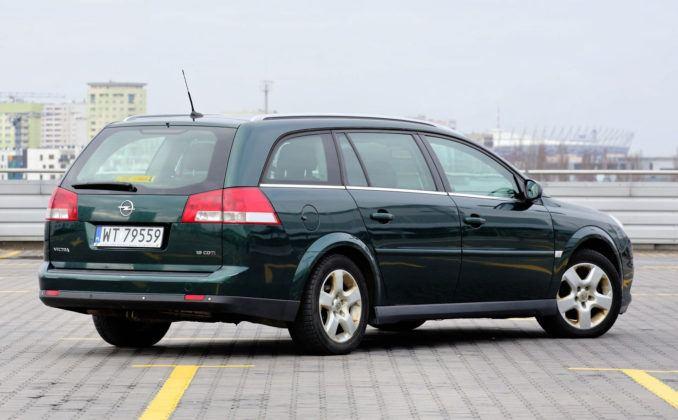 Opel Vectra - tył