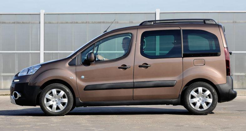 Peugeot Partner - bok