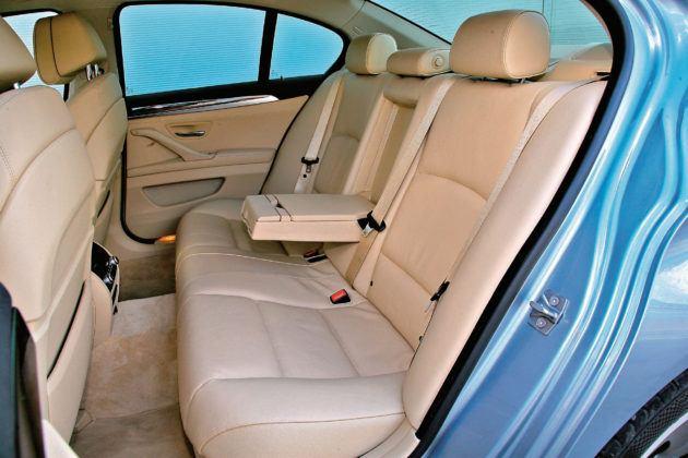 BMW 5 Active Hybrid - tylna kanapa