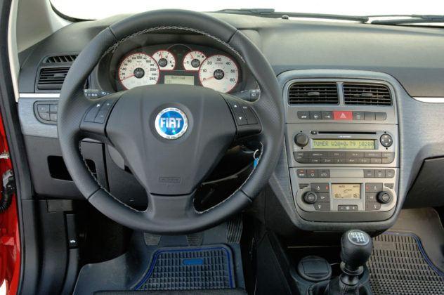 Fiat Grande Punto - deska rozdzielcza