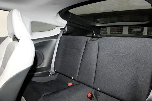 Honda CR-Z - tylna kanapa