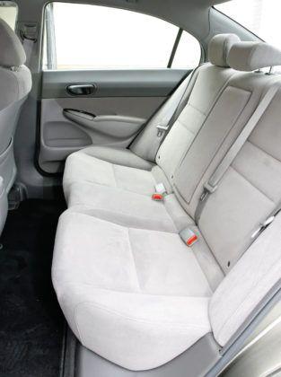 Honda Civic Hybrid - tylna kanapa
