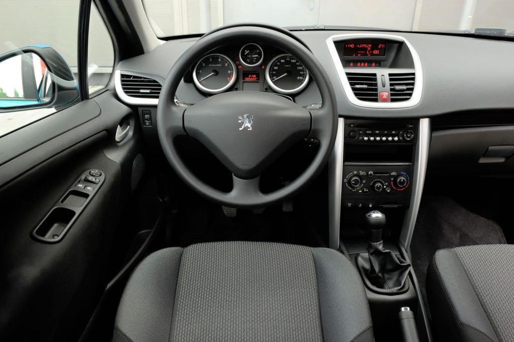 Peugeot 207 - deska rozdzielcza