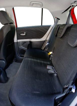 Toyota Yaris - tylna kanapa