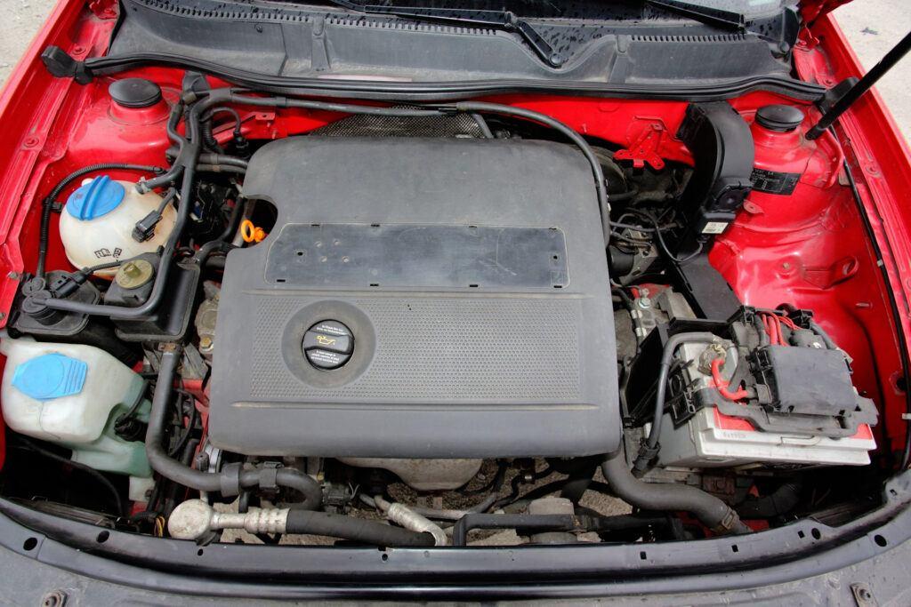 Audi; VW 1.6 8V (EA113)