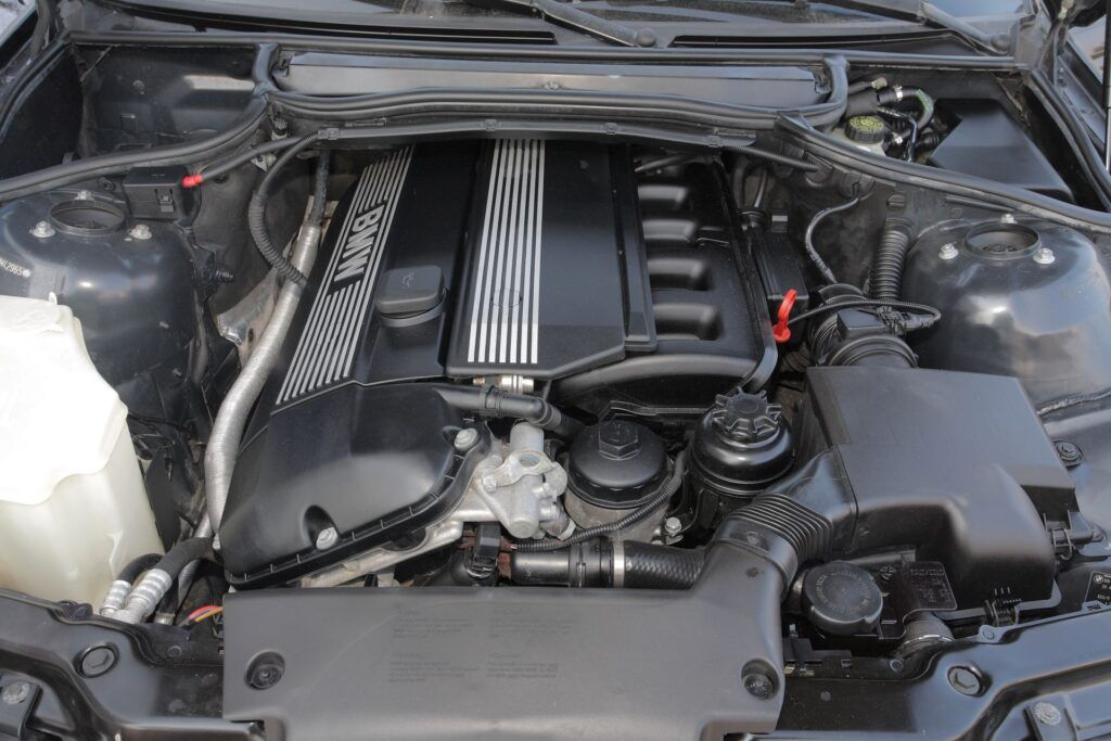 BMW 2.0-2.8 M52