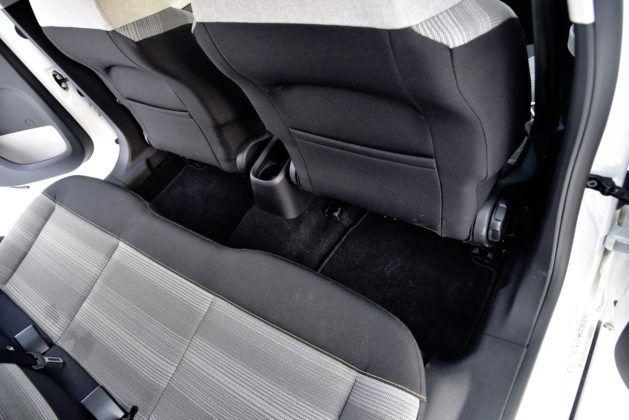 Citroen C3 - kieszenie w fotelach