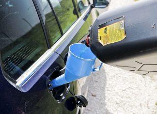Co zrobić, gdy w trasie skończy się paliwo?
