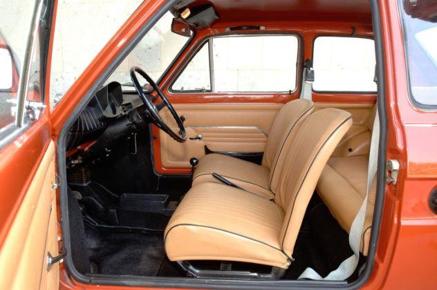 Fiat 126p - fotel kierowcy