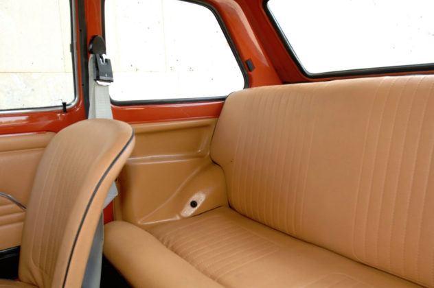 Fiat 126p - tylna kanapa