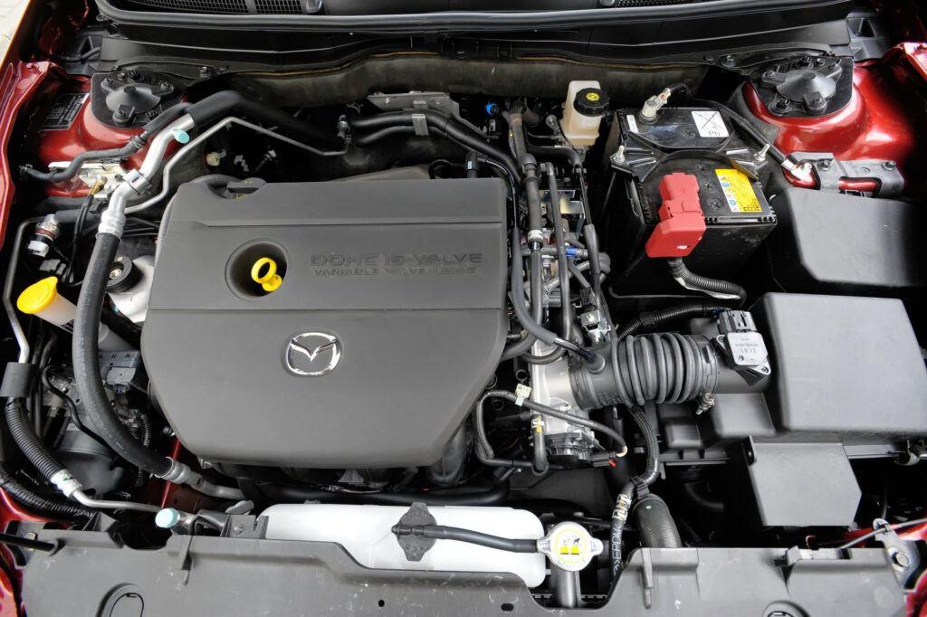 Mazda 1.8-2.5 (seria L)