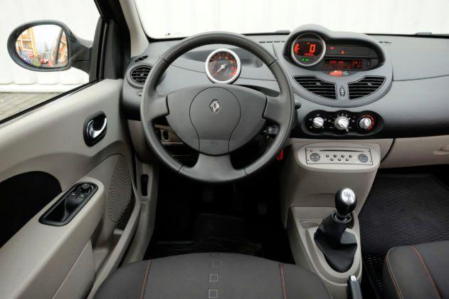 Renault Twingo II - deska rozdzielcza
