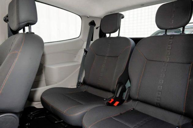 Renault Twingo II - tylna kanapa