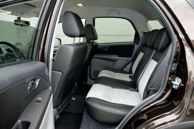 Suzuki SX4 - tylna kanapa
