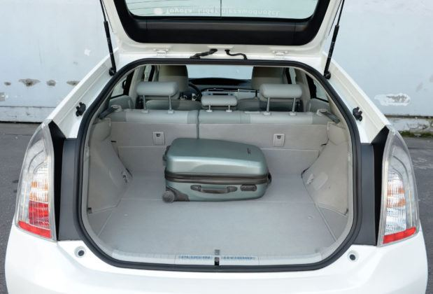 Używana Toyota Prius III - bagażnik