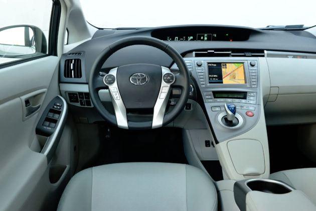 Używana Toyota Prius III - deska rozdzielcza