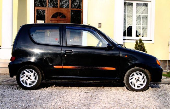 Fiat Seicento Sporting - bok 1