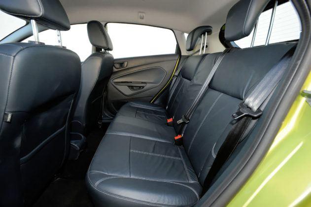 Ford Fiesta VII - tylna kanapa