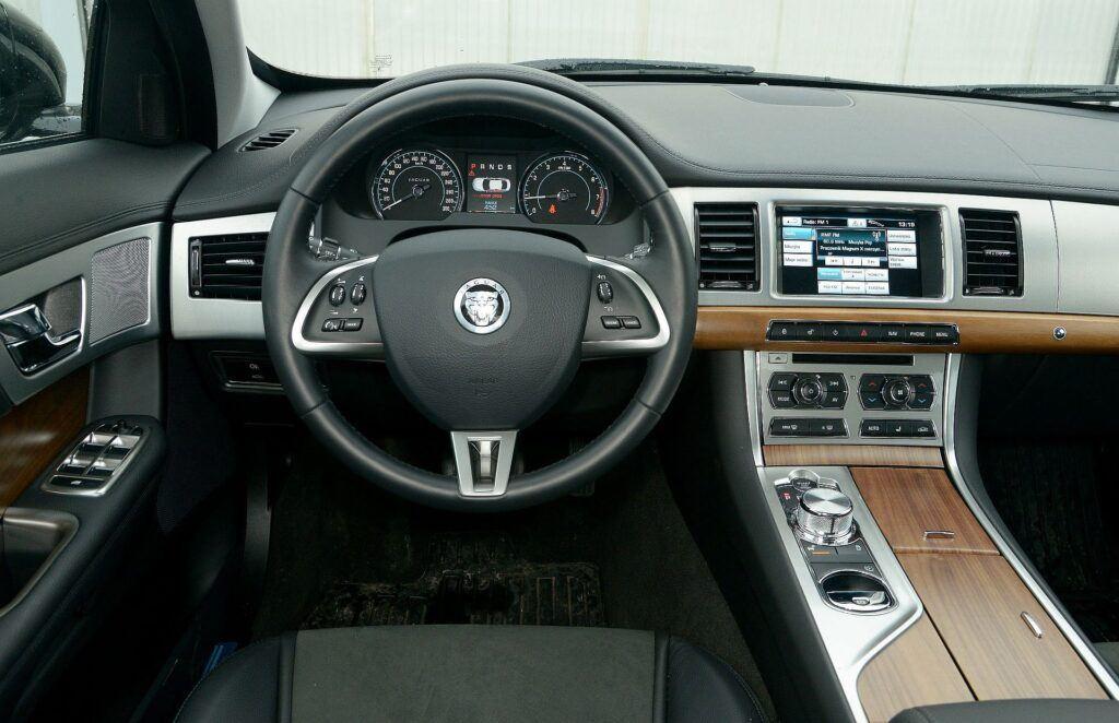 Jaguar XF I 09