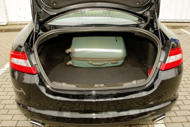 Jaguar XF - bagażnik
