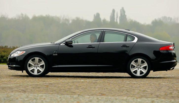Jaguar XF - bok