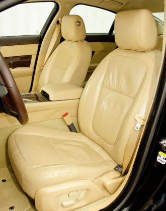 Jaguar XF - fotel kierowcy