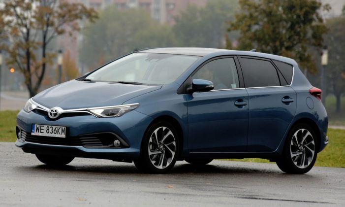 Kompakty - najgorszy - Toyota Auris (sylwetka)