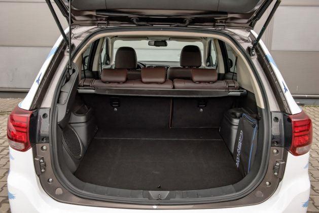 Mitsubishi Outlander PHEV - bagażnik