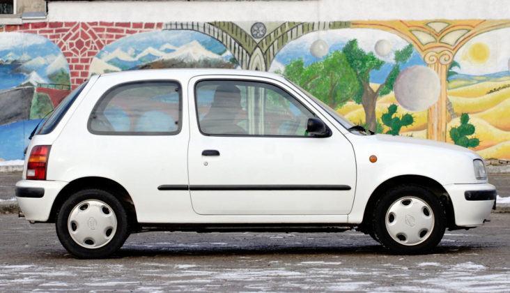Nissan Micra K11 - bok