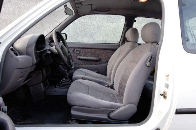 Nissan Micra K11 - fotel kierowcy