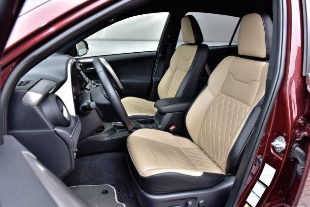 Toyota RAV4 Hybrid - fotel kierowcy