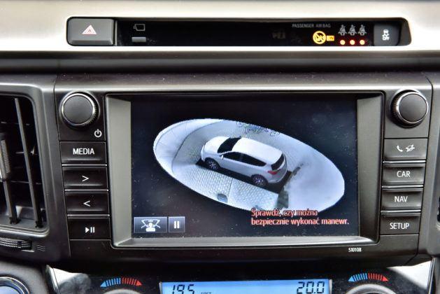 Toyota RAV4 Hybrid - kamery