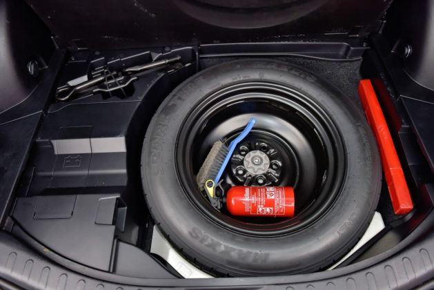 Toyota RAV4 Hybrid - koło dojazdowe