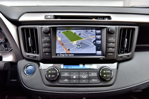 Toyota RAV4 Hybrid - nawigacja