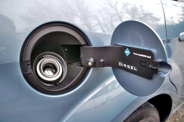 Czysty wlew paliwa - Ford Focus
