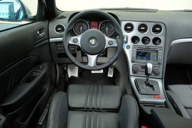 Alfa Romeo 159 TBi - deska rozdzielcza
