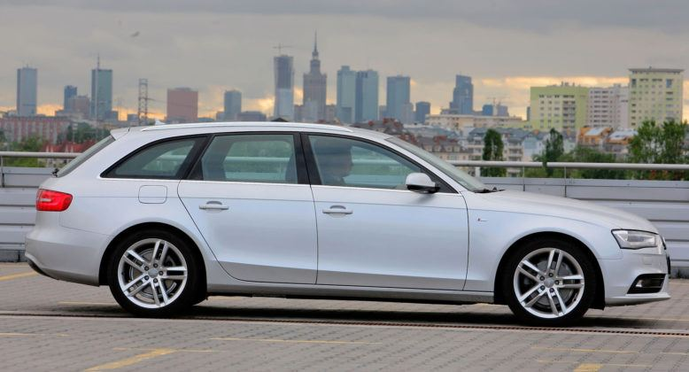 Audi A4 3.0 TDI - bok