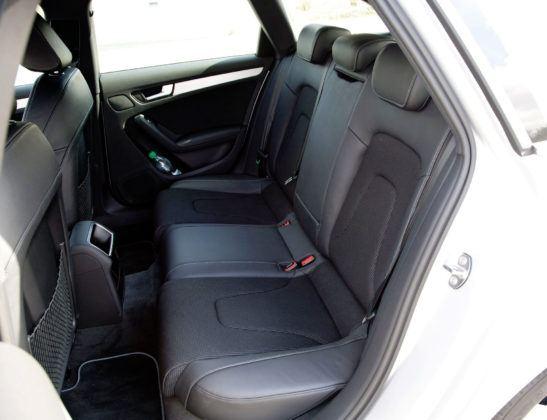 Audi A4 3.0 TDI - tylna kanapa