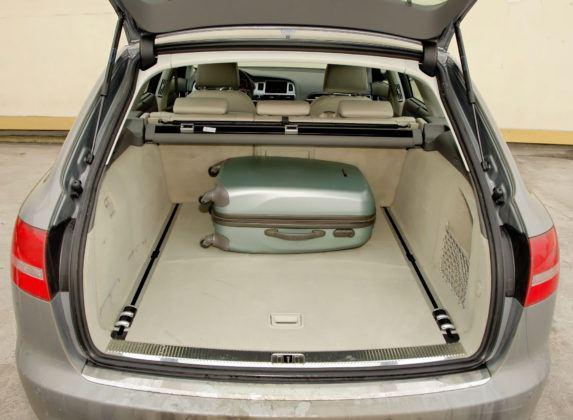 Audi A6 4.2 - bagażnik