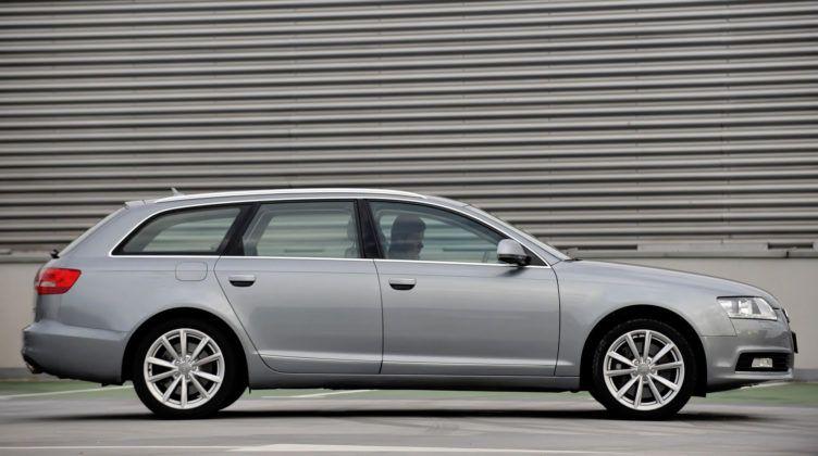 Audi A6 4.2 - bok