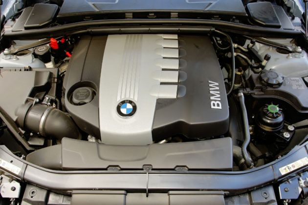 BMW 330d - silnik