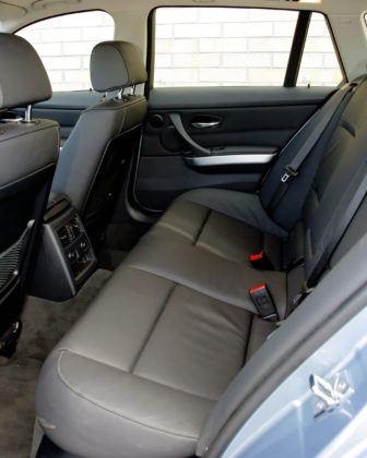 BMW 330d - tylna kanapa
