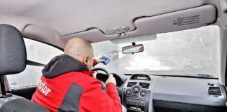 Parowanie szyb w samochodzie