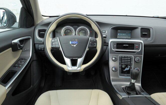 Volvo S60 II V60 I 27