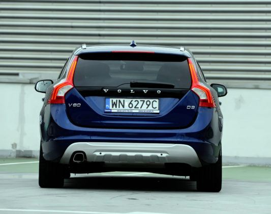 Volvo V60 - tył
