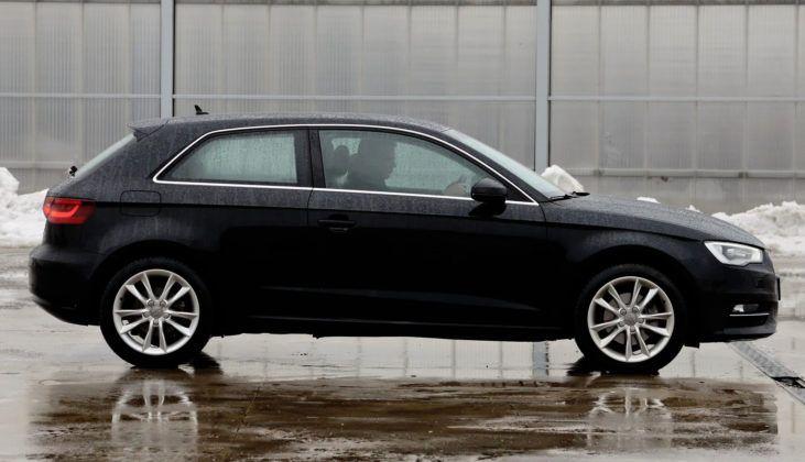 Audi A3 III - bok