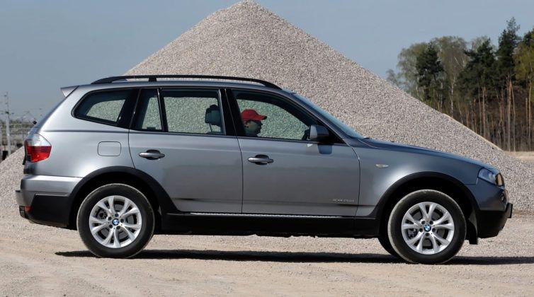 BMW X3 (E83) - bok