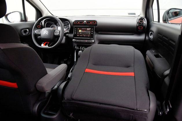 Citroen C3 Aircross - kładzenie przeniego fotela